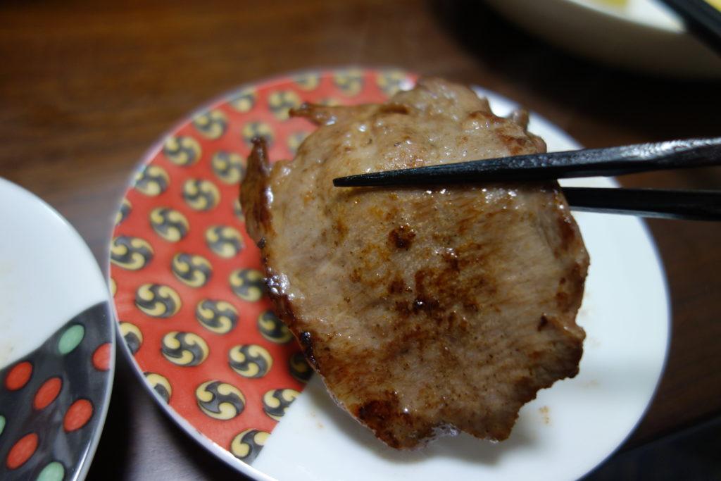 イワタニのカセットコンロとイワタニの焼肉プレートで初めて焼いた牛タン