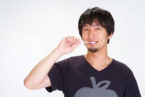 口臭の原因「歯周病は治らない」には誤解が!治療で克服体験談